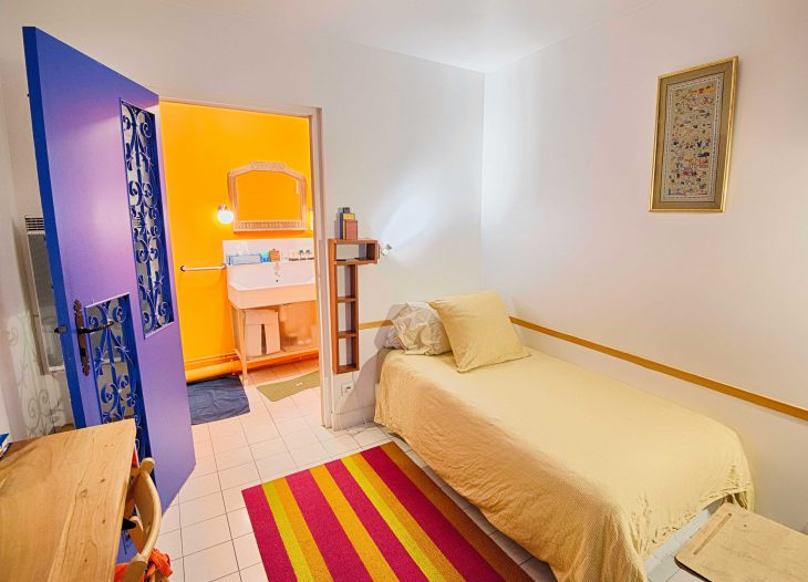 Alpha-Room bedroom